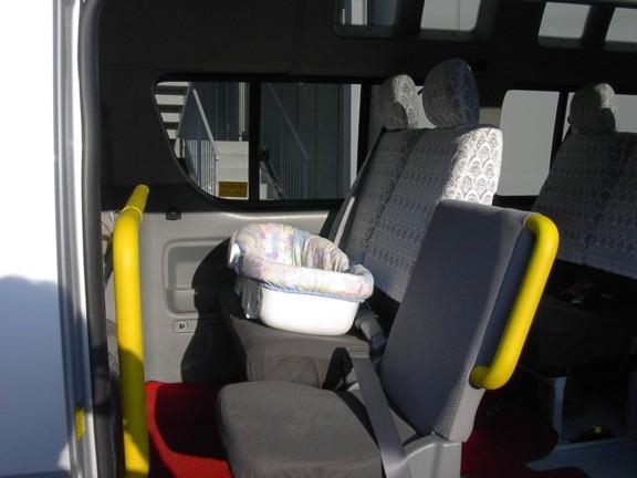 新生児用チャイルドシート設置時の写真