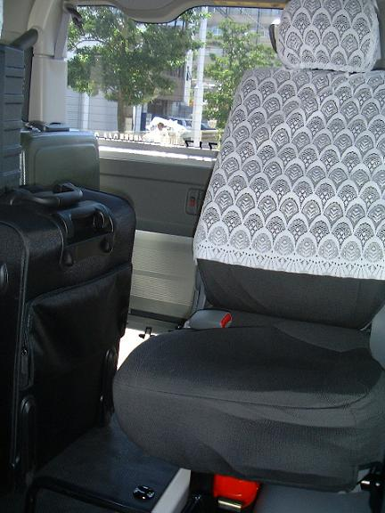 荷物を積んだ時の4列目の写真。